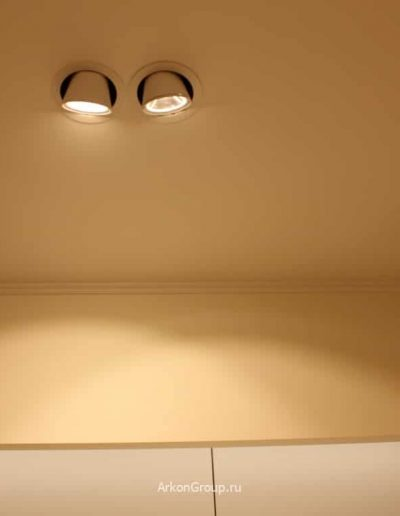 Восстановление потолка из гипсокартона после удаления старых светильников. Установка и настройка новых светильников.